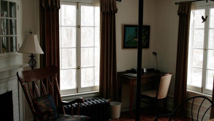 YS-Arthur-Morgan-bedroom-1