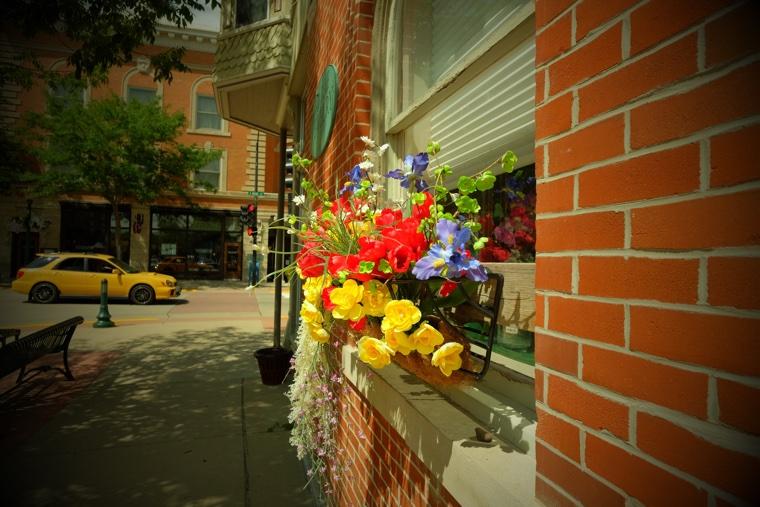 Decorah flower basket *